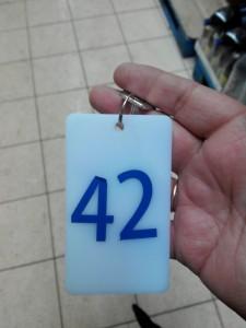 Номерок ячейки хранения - 42. Донецк